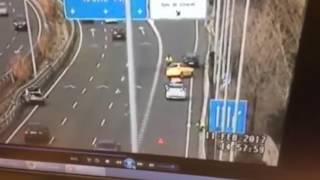 شاهد.. نجاة شرطي من حادث تصادم بأعجوبة