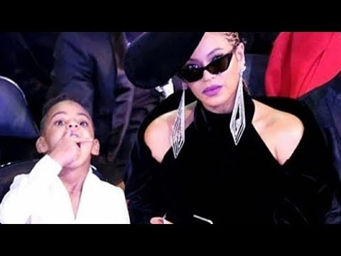 Beyonce is Blue Ivy's Personal Snack Assistant for the 2018 Grammys 😂