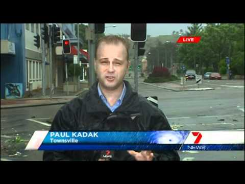 [CYCLONE WATCH] Seven News: Cyclone Yasi Special Coverage (Pt. 1) (2.2.2011)