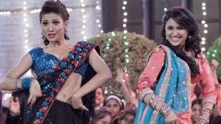 Song Promo - Jhalla... Mera Aashiq Jhalla Wallah... | Ishaqzaade | Arjun Kapoor | Parineeti Chopra