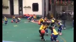 Amazing! Chinese kindergarten kids basketball dance