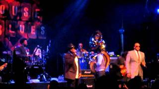 """The Roots Grammy Jam Session 2012 """"Walk Alone"""""""