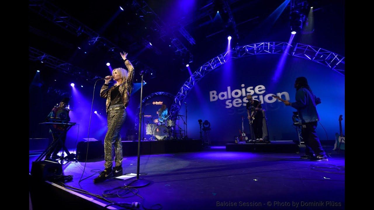 the-asteroids-galaxy-tour-choke-it-live-at-baloise-session-2014-the-asteroids-galaxy-tour-live