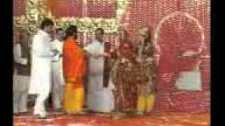shri prembhushan ji maharaj first time dance in the stage with his friend