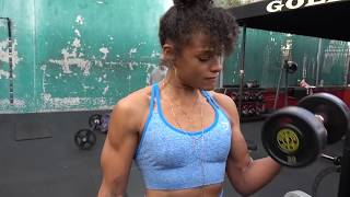 Dumbbell Bicep Curls - Exercise Tutorial