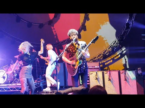 Paramore - Hard Times Live at Riverstage Brisbane 13/02/18