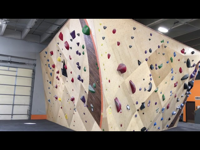 Longmont Climbing Collective - Indoor Bouldering Gym, Yoga Studio and Workout Facility