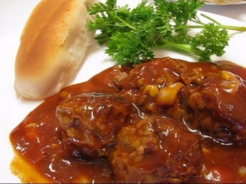 Betty's Meatballs and Tomato Sauce - YouTube