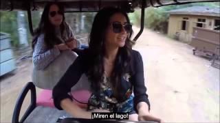 Tour por los estudios Warner de Pretty Little Liars con Shay Mitchell, subtitulado al español