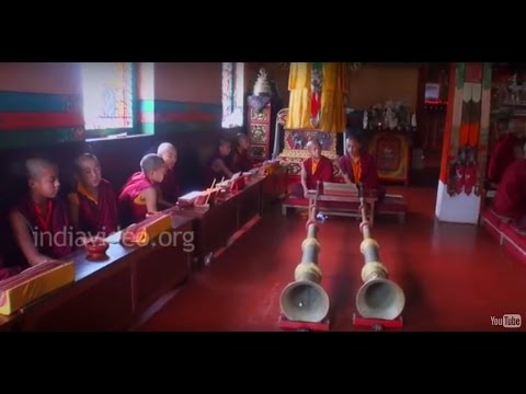 Sacred chanting and the instrumental music of Buddhist worship
