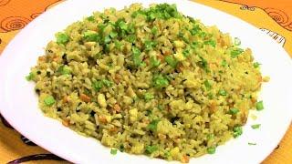Жареный рис по японски с курицей, яйцом и овощами - самостоятельное, сытное и очень вкусное блюдо.