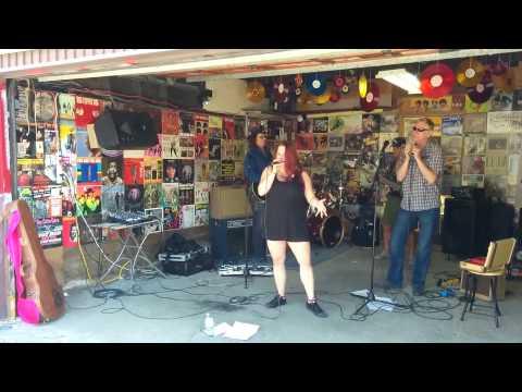 Raquel & The Blue Tones - I'm A Woman