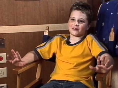 Josh Hutcherson 2002 Interview Miracle Dogs - YouTube