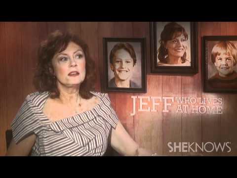 Susan Sarandon Talks Mom Struggles - Celebrity Interview