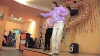 Жених танцет Рок н Ролл