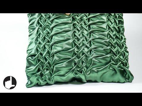 diy-pillowcases-for-home-decor:-canadian-smocked-design|handiworks-#117