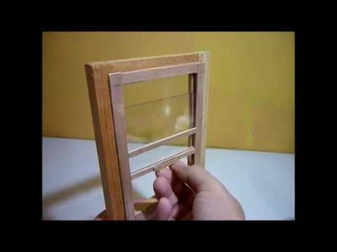 Como hacer una ventana corrediza para casas de mu ecas for Como reciclar puertas de madera