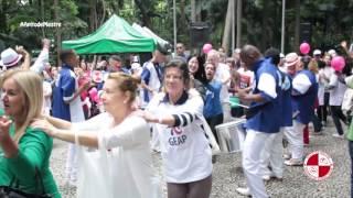 Show Escola de Samba no Parque Trianom Masp animando todos ao som da Apito de Mestre