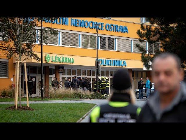 <span class='as_h2'><a href='https://webtv.eklogika.gr/tsechia-pyrovolismoi-se-nosokomeio-toylachiston-exi-nekroi' target='_blank' title='Τσεχία - Πυροβολισμοί σε νοσοκομείο: Τουλάχιστον έξι νεκροί …'>Τσεχία - Πυροβολισμοί σε νοσοκομείο: Τουλάχιστον έξι νεκροί …</a></span>