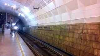 Заблудившийся трамвай едет в метро