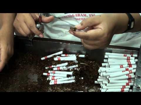 Zigaretten Herstellung Gudang Garam International Cigarette manufacturing by hand