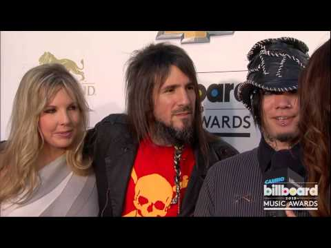 DJ Ashba and Bumblefoot on the Billboard Music Awards Blue Carpet 2013