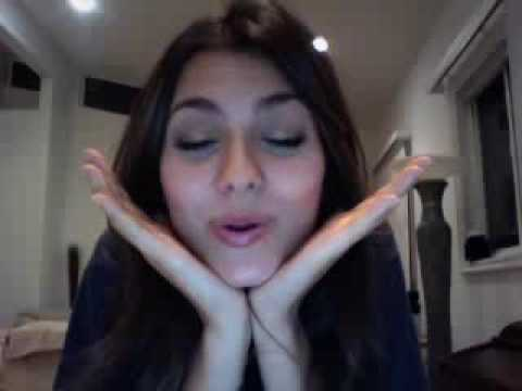 Victoria Justice LIVE CHAT (Q+A & No Kiss List chat)  Part 2