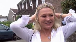 Video Amanda Redman Learns About her Uncle Cyril's Affair - Who Do You Think You Are download MP3, 3GP, MP4, WEBM, AVI, FLV September 2017