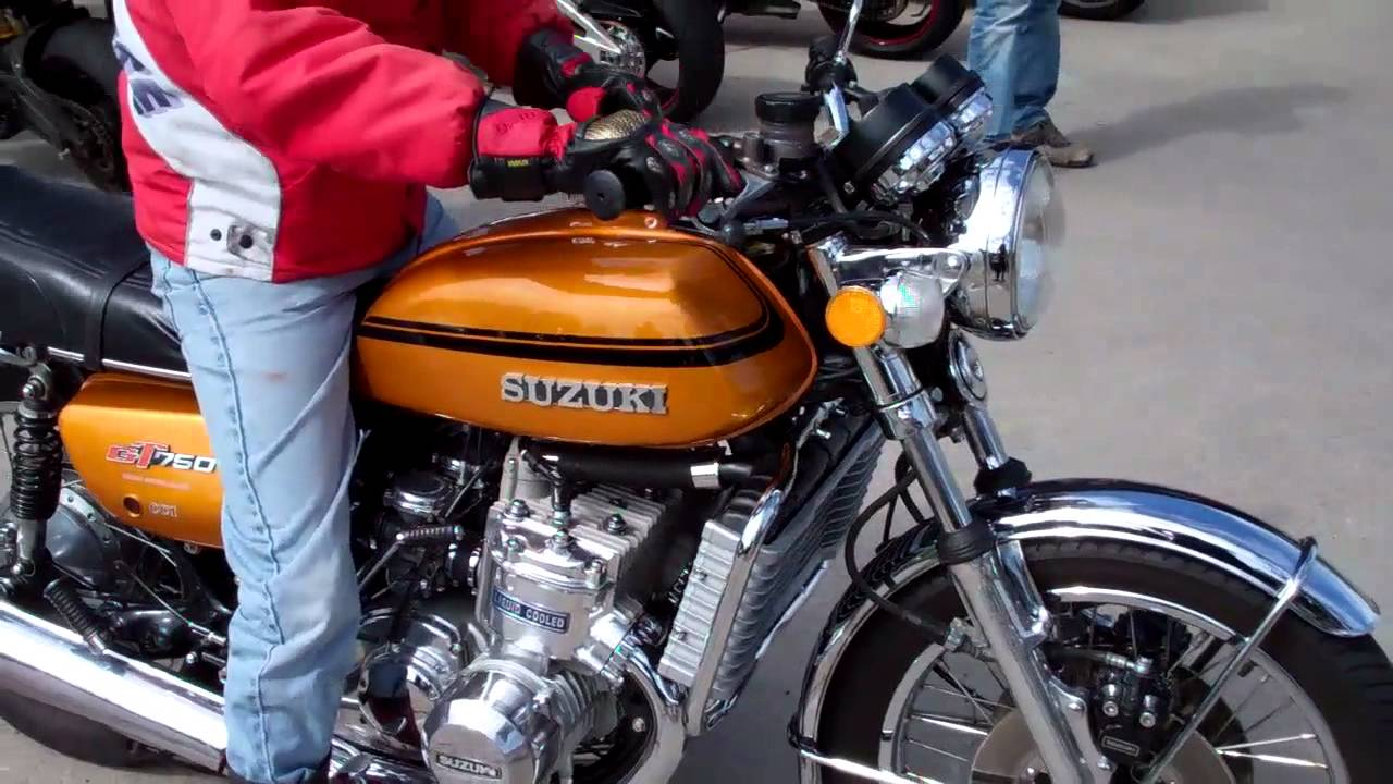 Suzuki Gt 750 3 Cyl 2 Stroke Cold Start Youtube