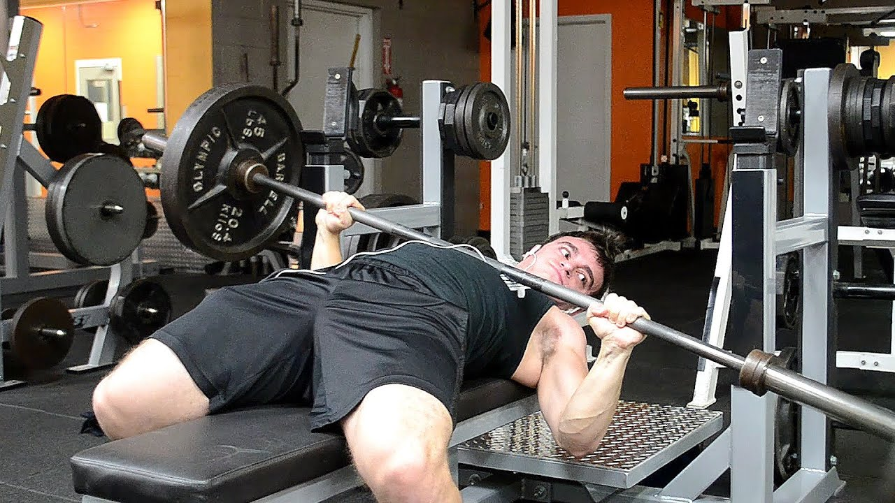 The Definitive Guide on How to Bench Press (and the 8 Best