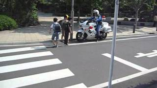 Motorcycle police 白バイ、緊急発進
