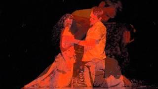 Muma Paduri - Ljubavna tema