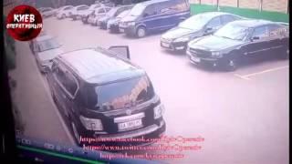 Видео момента похищения пары на Софиевской Борщаговке в Киеве(, 2016-09-12T06:36:38.000Z)