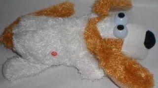 Видео обзор - Детская мягкая игрушка Собака-перевертыш (kidtoy.in.ua)(Мягкая игрушка Собака, 3 цвета, звук, свет, ходит, переворачивается, на батарейке, в коробке Длина: 18.0 см. Шири..., 2014-05-14T16:55:16.000Z)