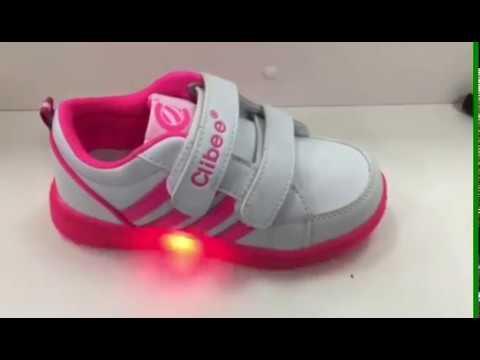 В большом ассортименте детская обувь по отличным ценам. Демисезонная, зимняя, летняя обувь, резиновые сапоги, тапочки, кроссовки, туфли, кеды и кроксы. Доставка по всей украине. Консультации по телефонам 0663088798, 0964926235.