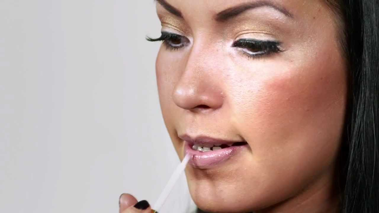 Video Tutorial: How to Get Lily Aldridge's Signature Smoky Eye recommend