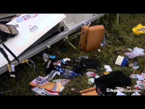 Dutch PM: 'disgusting' behaviour at MH17 crash site