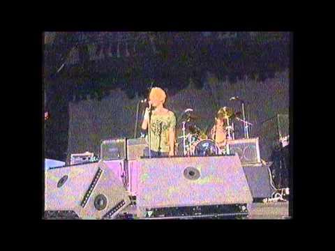 Radiohead - Bones (Live 1994 Reading Festival)