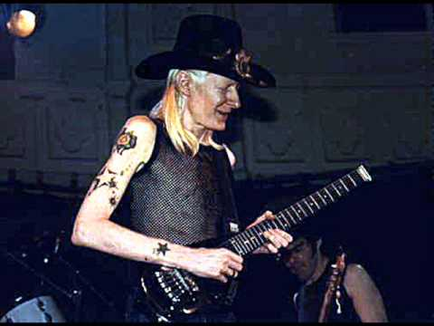 Johnny Winter plays a breathtaking