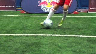 Dribbling -Swivel Hips Part 1 [New York Red Bulls Academy]