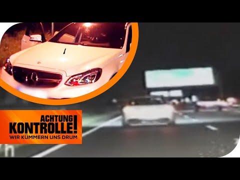 3 Monate Fahrverbot! Mercedes-Raser schießt über die Autobahn! | Achtung Kontrolle | kabel eins