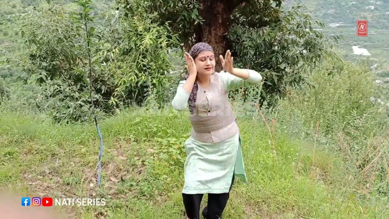 Meri Begma Pahadi Song Dance by Divya Thanta