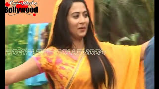 On Location Of TV Serial 'Ganga'  Sagar Takes Daadi To Mandir
