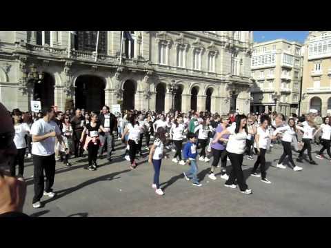 Flashmob en María Pita (Coruña) con motivo del Día Mundial del Parkinson