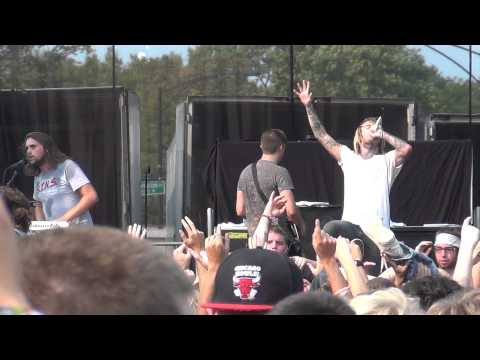 "Chiodos - The Words ""Best Friend"" Become Redefined (live at Riot Fest 2012)"