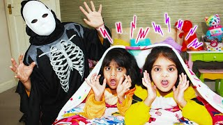 Ashu and Katy Cutie pretend play bedtime ghost adventures and scary night