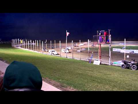 100 0719 2015-09-07 Devils Lake Speedway B Mod Feature