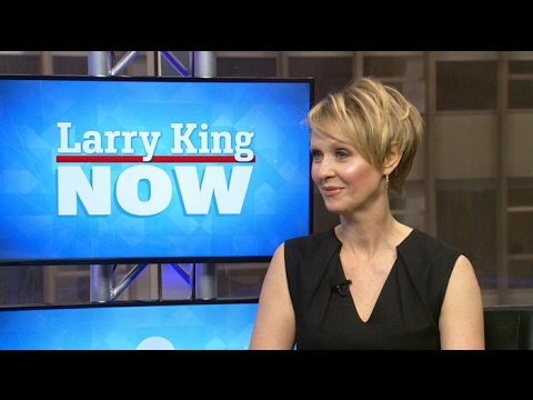 Cynthia Nixon on swapping roles with Laura Linney | Larry King Now | Ora.TV