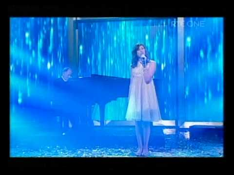 Chloe Coyle and Phil Coulter singing A Bird Without Wings