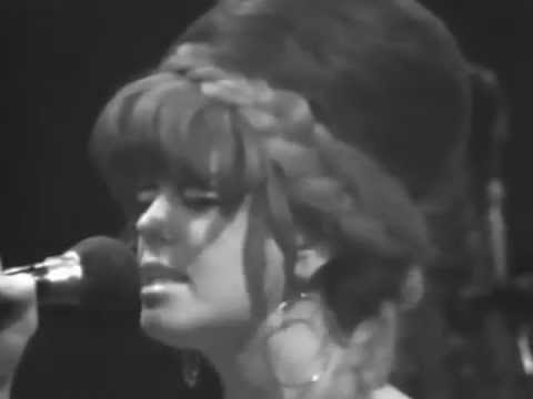 The B-52's - Give Me Back My Man - 11/7/1980 - Capitol Theatre (Official)